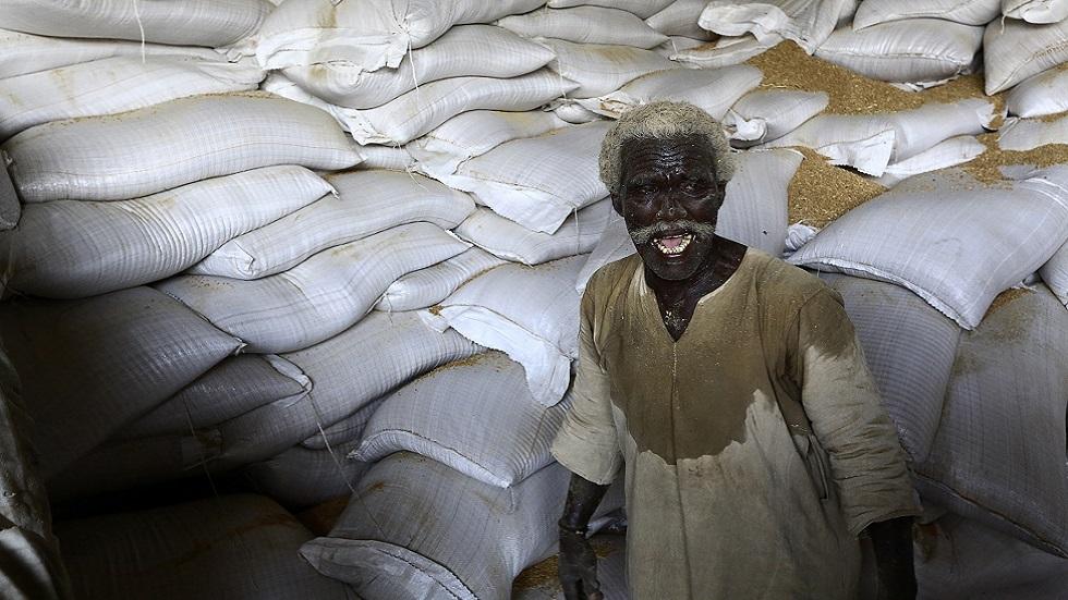 وزير سوداني: مخزون القمح يكفي لأربعة أيام