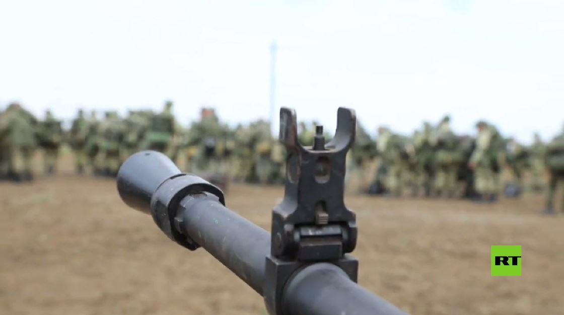 بالفيديو.. تدريب قتالي بالذخيرة الحية في القرم