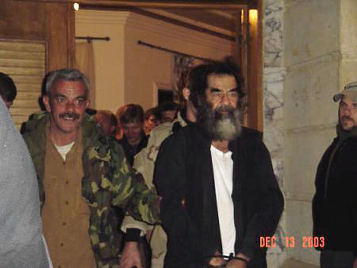 شارك في عملية القبض على صدام حسين في العراق.. وفاة قائد القوات الأمريكية بالسرطان
