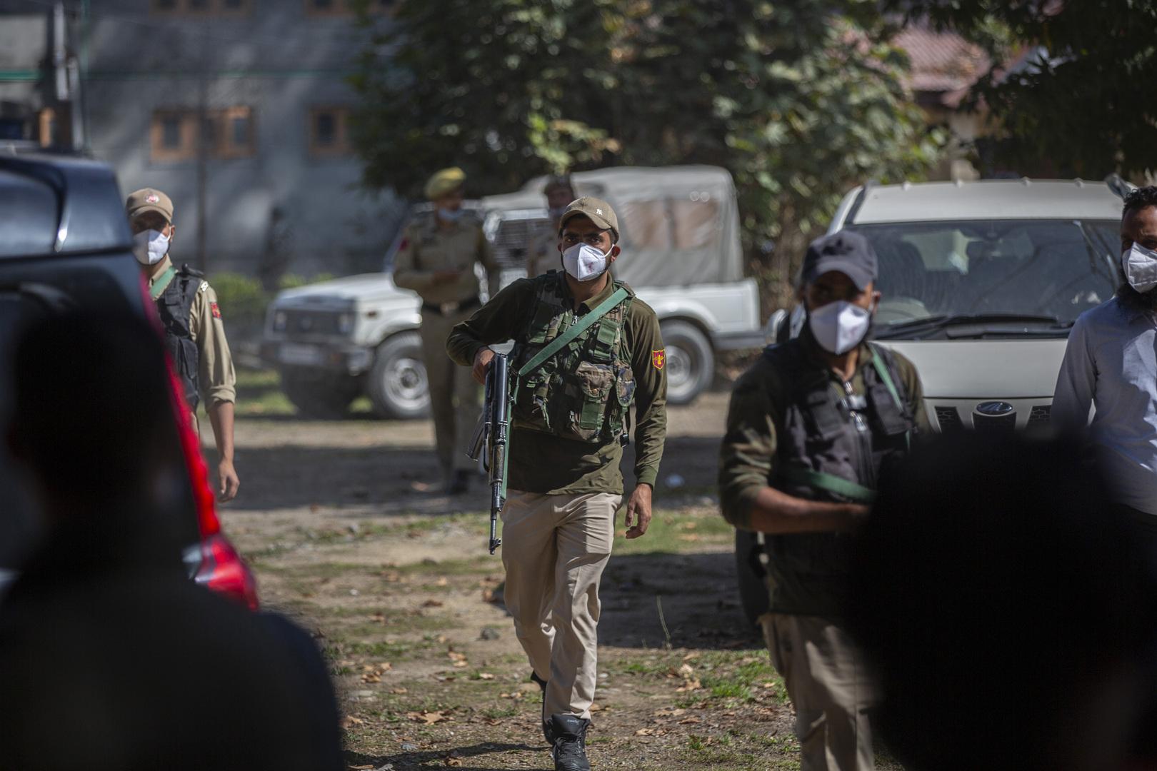 الشرطة الهندية تعتقل المئات في كشمير على خلفية موجة عنف مفاجئة