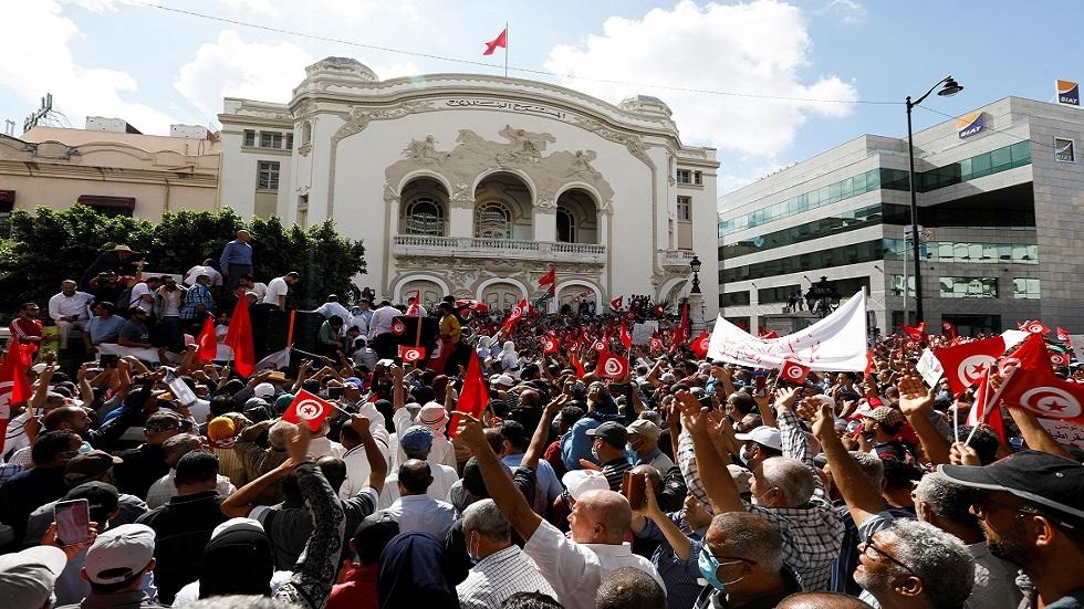 مظاهرات بشارع الحبيب بورقيبة ضد إجراءات الرئيس قيس سعيد