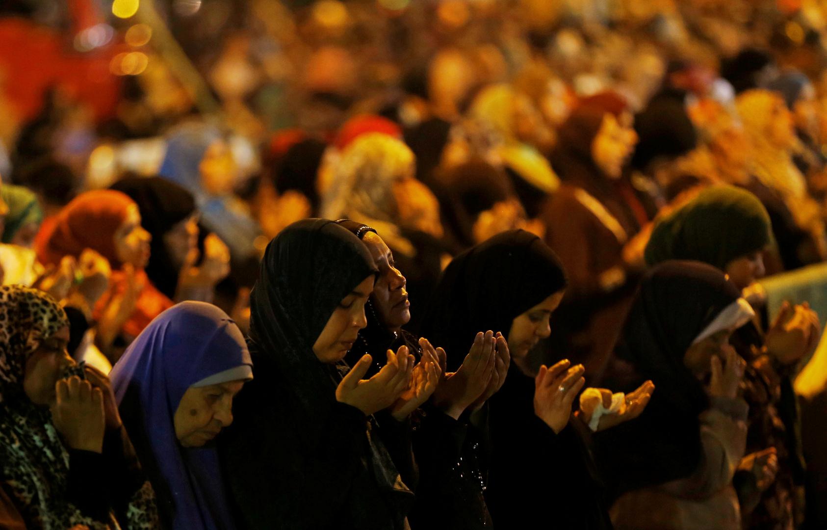 دار الإفتاء المصرية عن لباس المرأة المسلمة وحكم كشف شعرها
