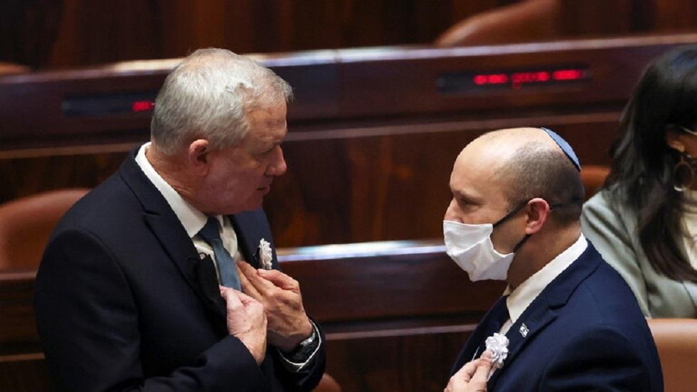 وزير الدفاع الإسرائيلي بيني غانتس ورئيس الوزراء نفتالي بينيت