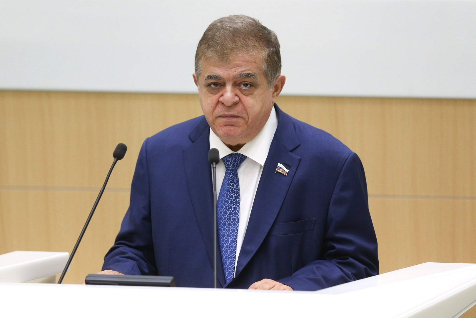 النائب الأول لرئيس اللجنة الدولية بمجلس الاتحاد الروسي فلاديمير جباروف
