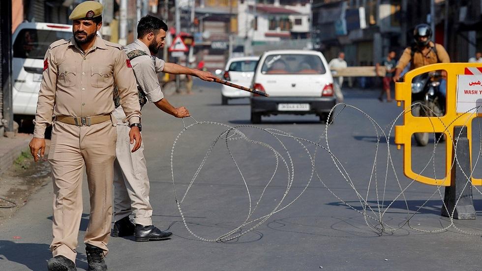 القوات الهندية تقتل 5 مسلحين مشتبه بهم في قتال بكشمير