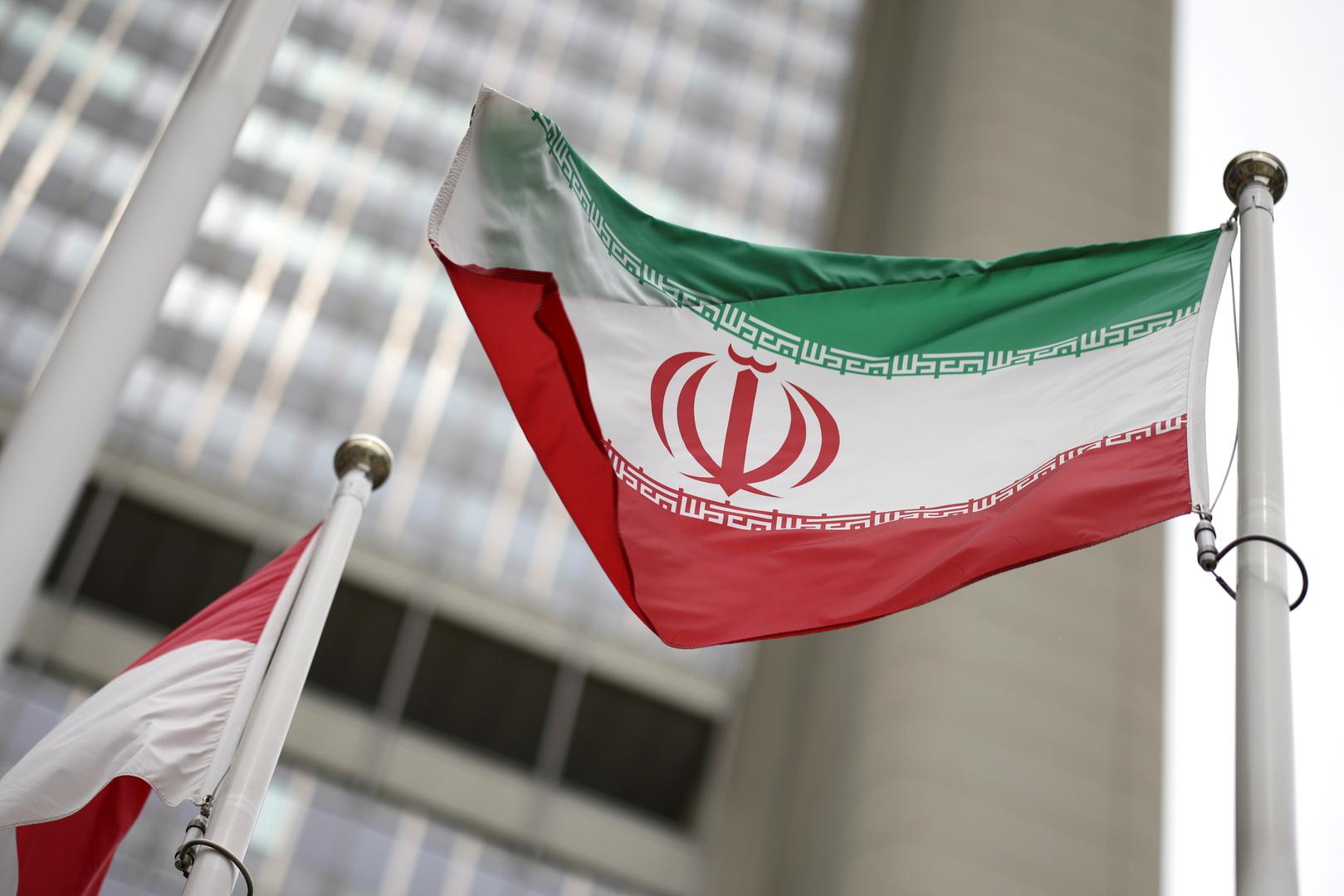 الدفاع الجوي الإيراني ينفذ مناورات وسط البلاد