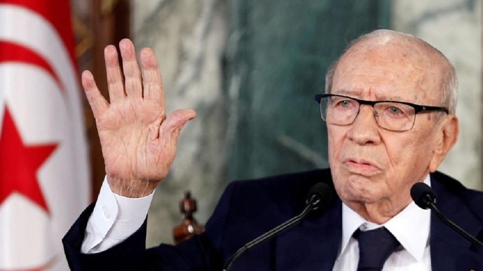 سياسي تونسي التقى السبسي قبل وفاته: الرئيس التونسي السابق مات مسموما (فيديو)