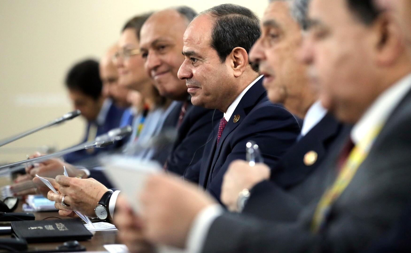 السيسي يتحدث عن معاناة مصر بسبب المياه
