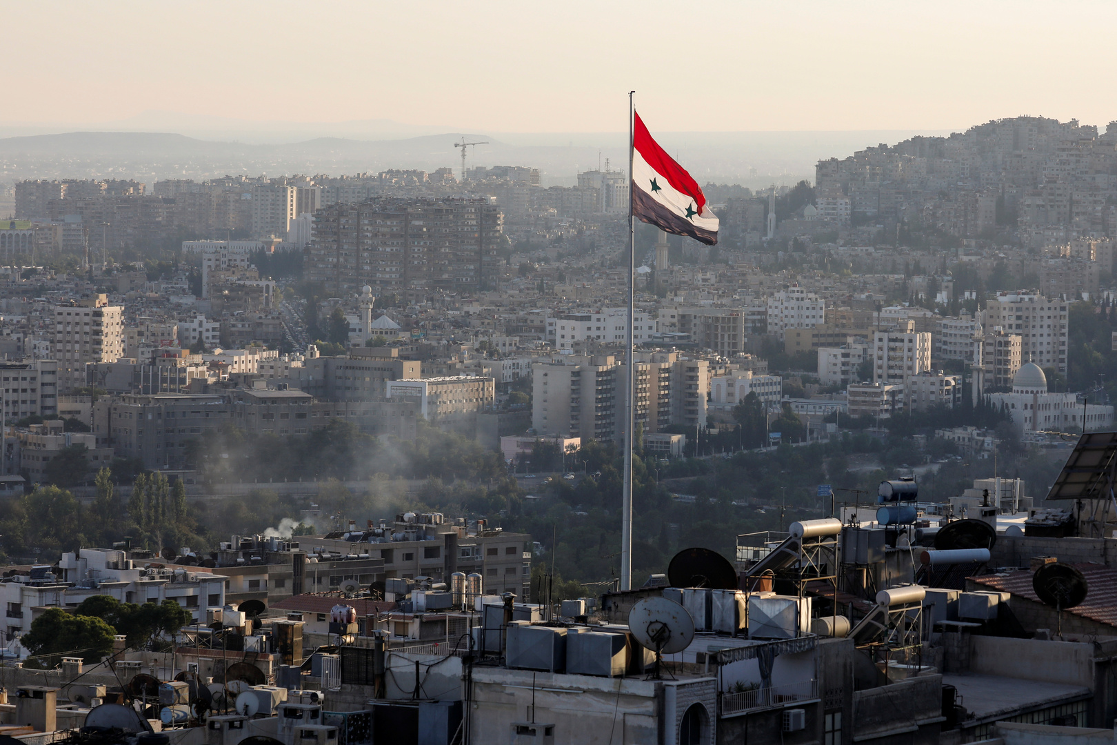 دمشق: لا يوجد رقم نهائي لخسائر سوريا وخسائر النفط والكهرباء بلغت 195 مليار دولار