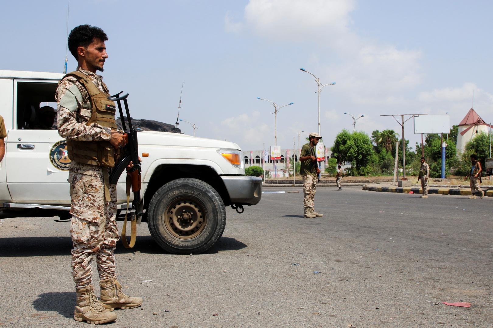 قائد المقاومة اليمنية: الحكومة ضحية الخلافات