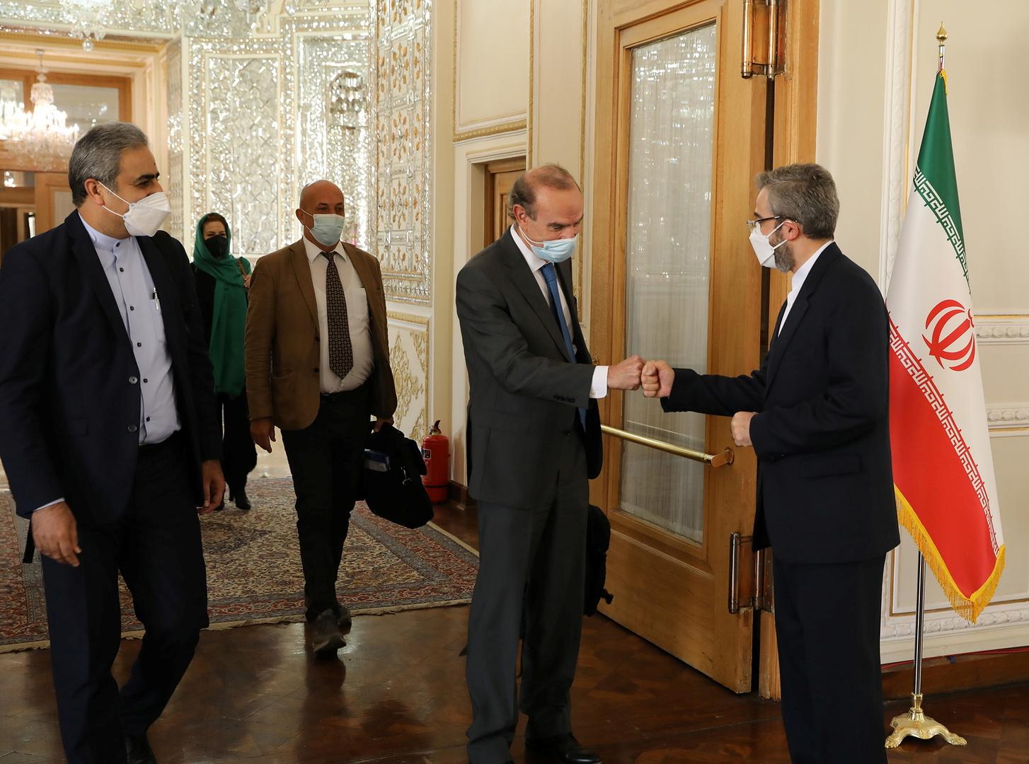 المنسق الأوروبي لمحادثات الاتفاق النووي الإيراني يلتقي نائب وزير الخارجية الإيراني في طهران
