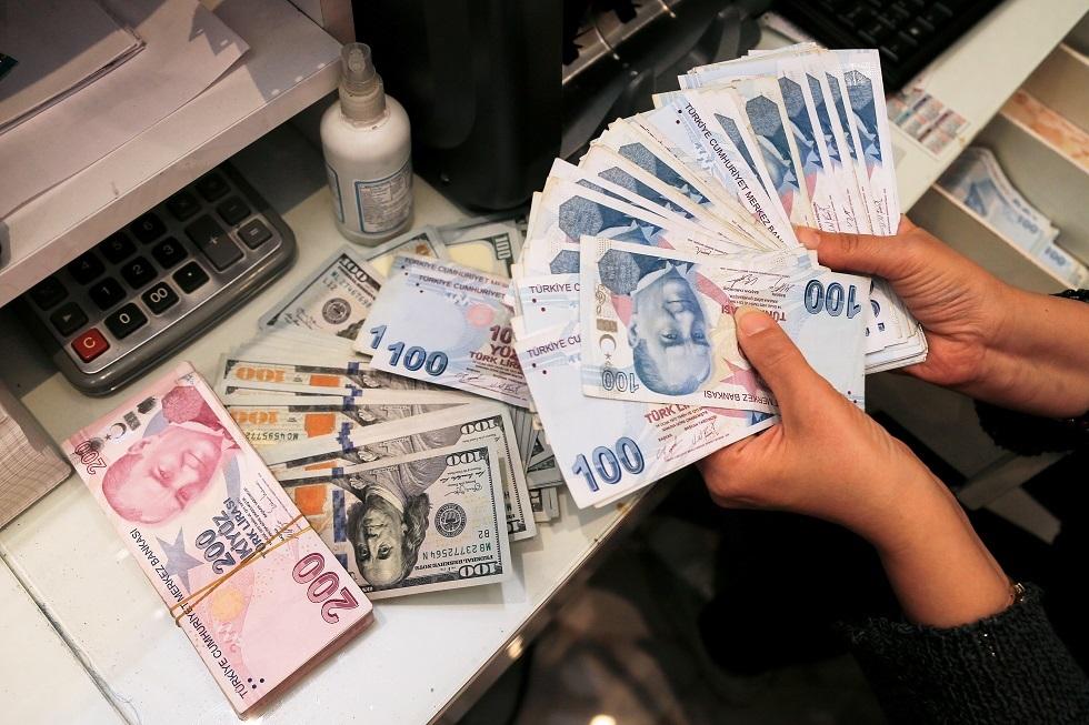 الليرة التركية تهوي لمستوى قياسي جديد بعد قرار أردوغان