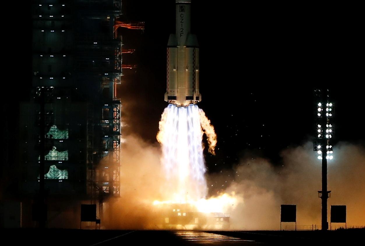 إطلاق صاروخ صيني من طراز
