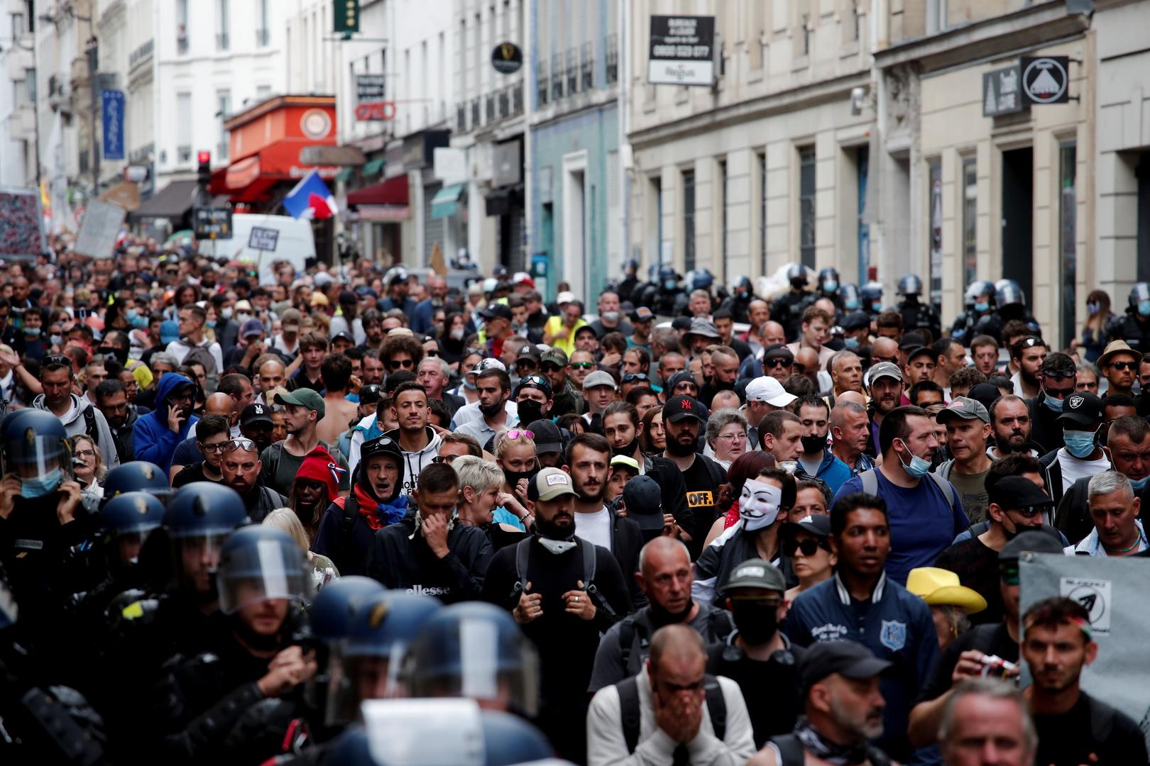 مظاهرات ضد الشهادة الصحية للتطعيم ضد كورونا في باريس