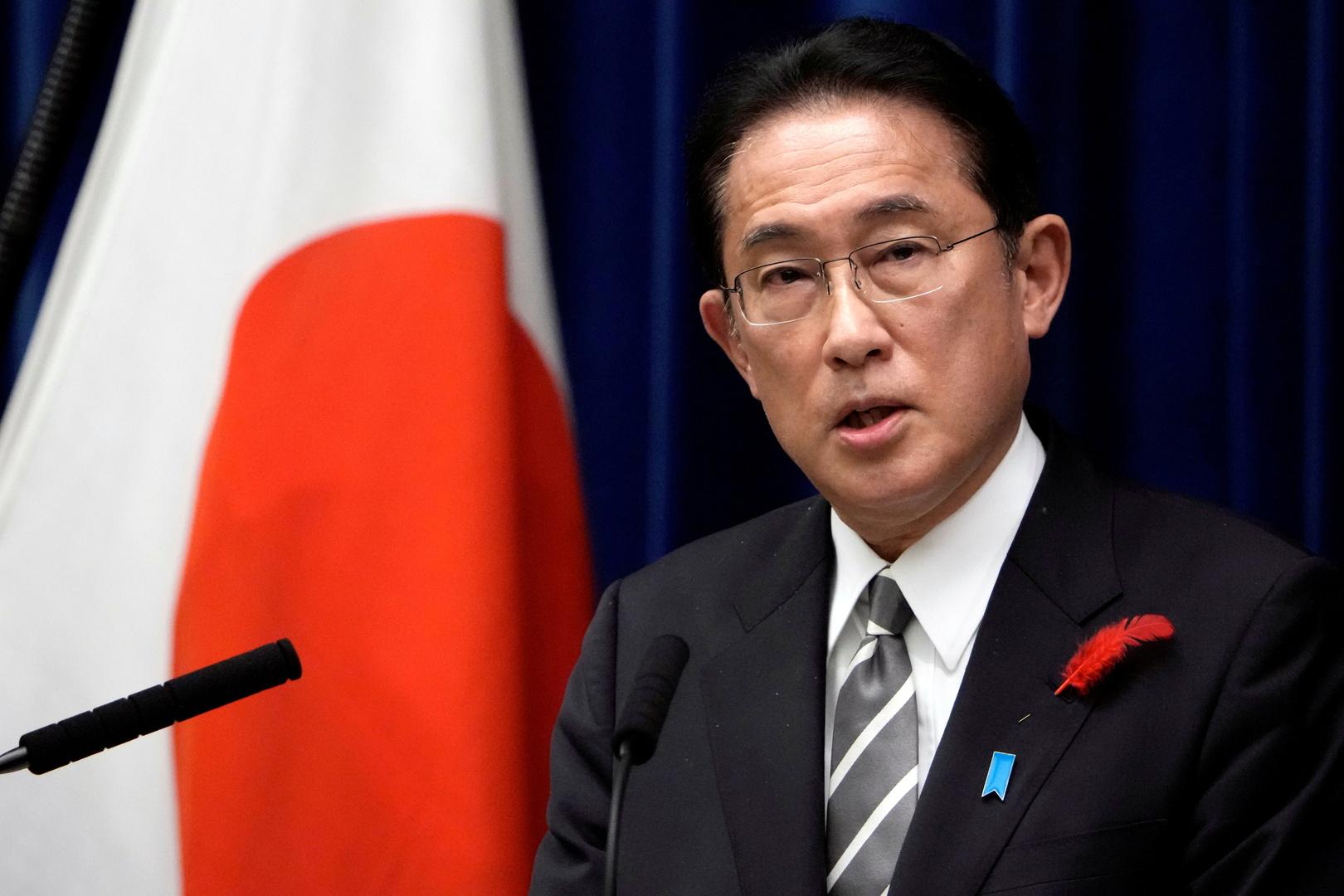 رئيس الوزراء الياباني يقطع جولة عمل ويعود إلى طوكيو بسبب إطلاق بيونغ يانغ لصاروخ جديد