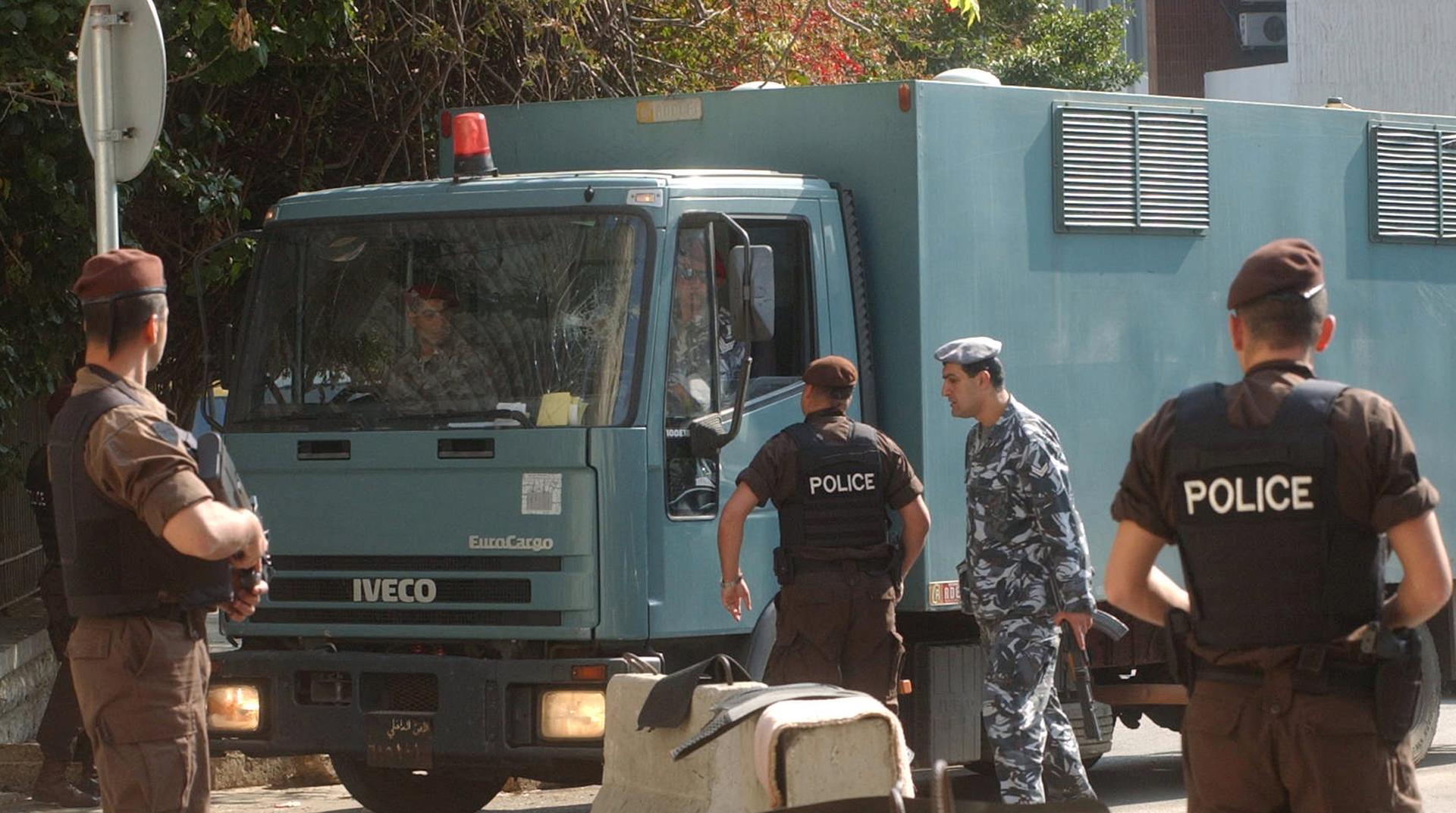 عناصر من الأمن اللبناني