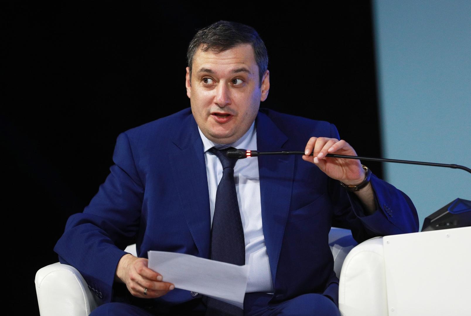 رئيس اللجنة البرلمانية لسياسة المعلومات والتقنيات المعلوماتية والاتصالات ألكسندر خينشتين