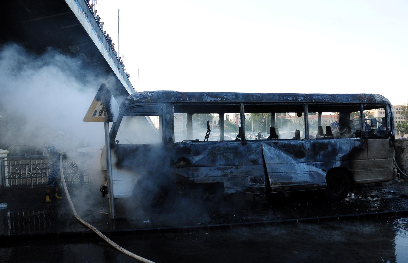 حافلة للجيش السوري تم استهدافها بتفجير عبوات ناسفة في دمشق يوم 20 أكتوبر.