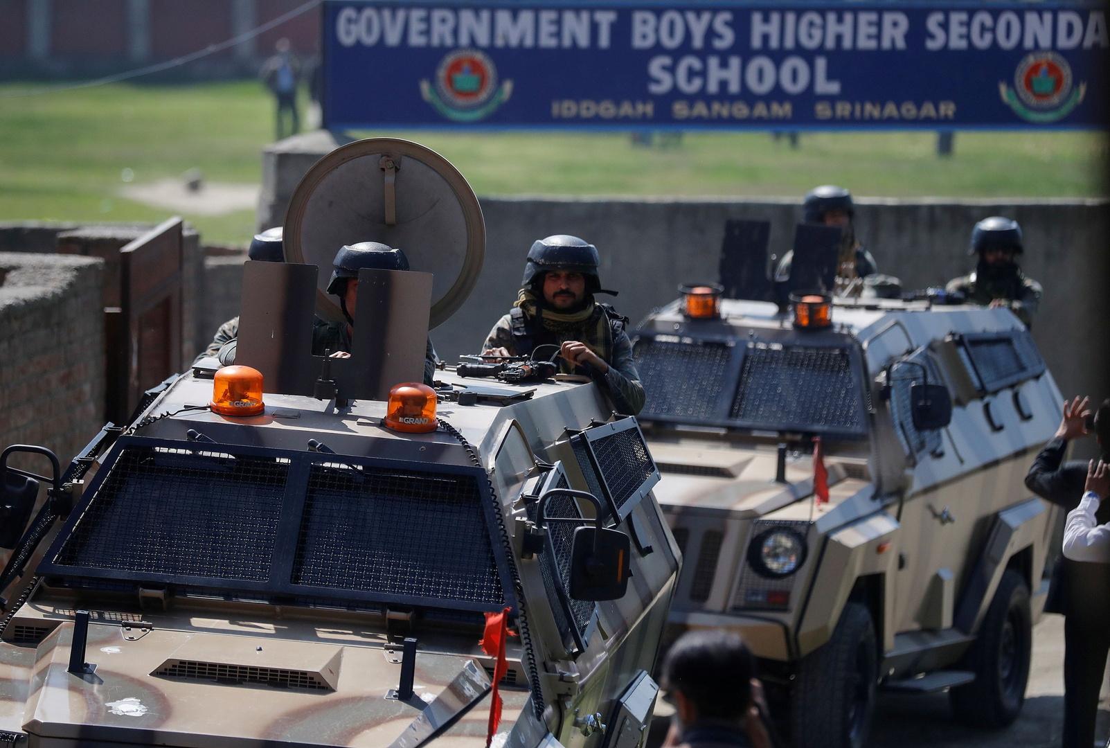 عناصر في قوات الأمن الهندية في كشمير.