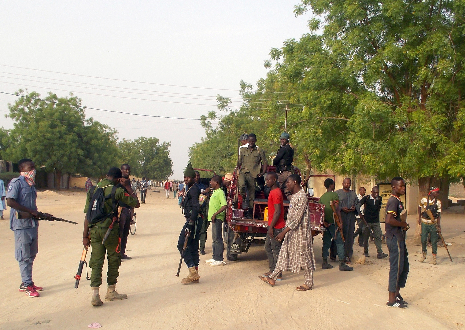 وسائل إعلام: مسلحون يختطفون 30 رهينة في غرب نيجيريا