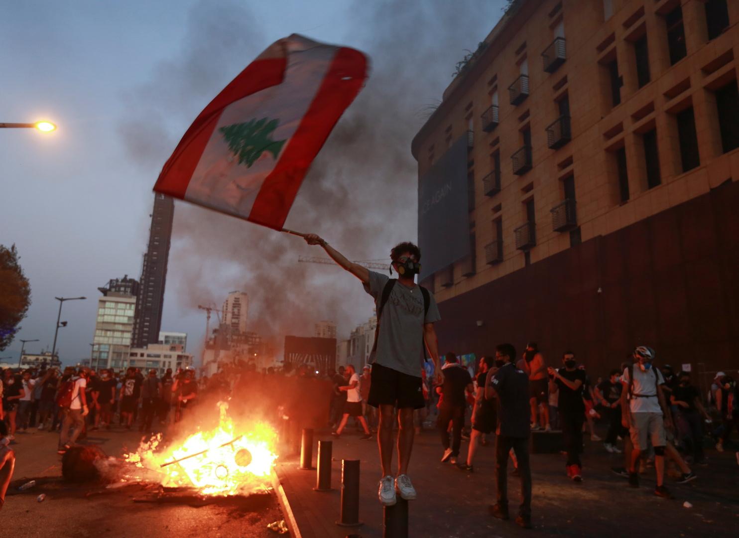 حاكم مصرف لبنان ينوي وقف تمويل استيراد البنزين