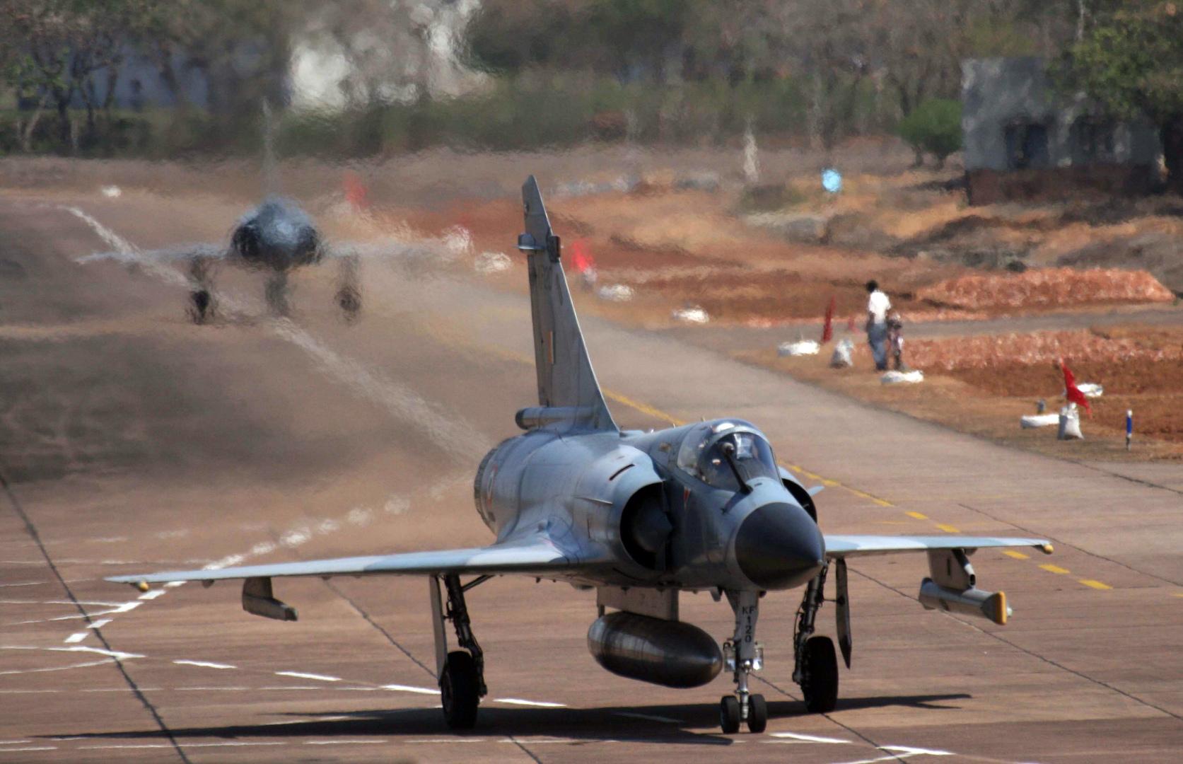 تحطم مقاتلة وسط الهند دون سقوط ضحايا