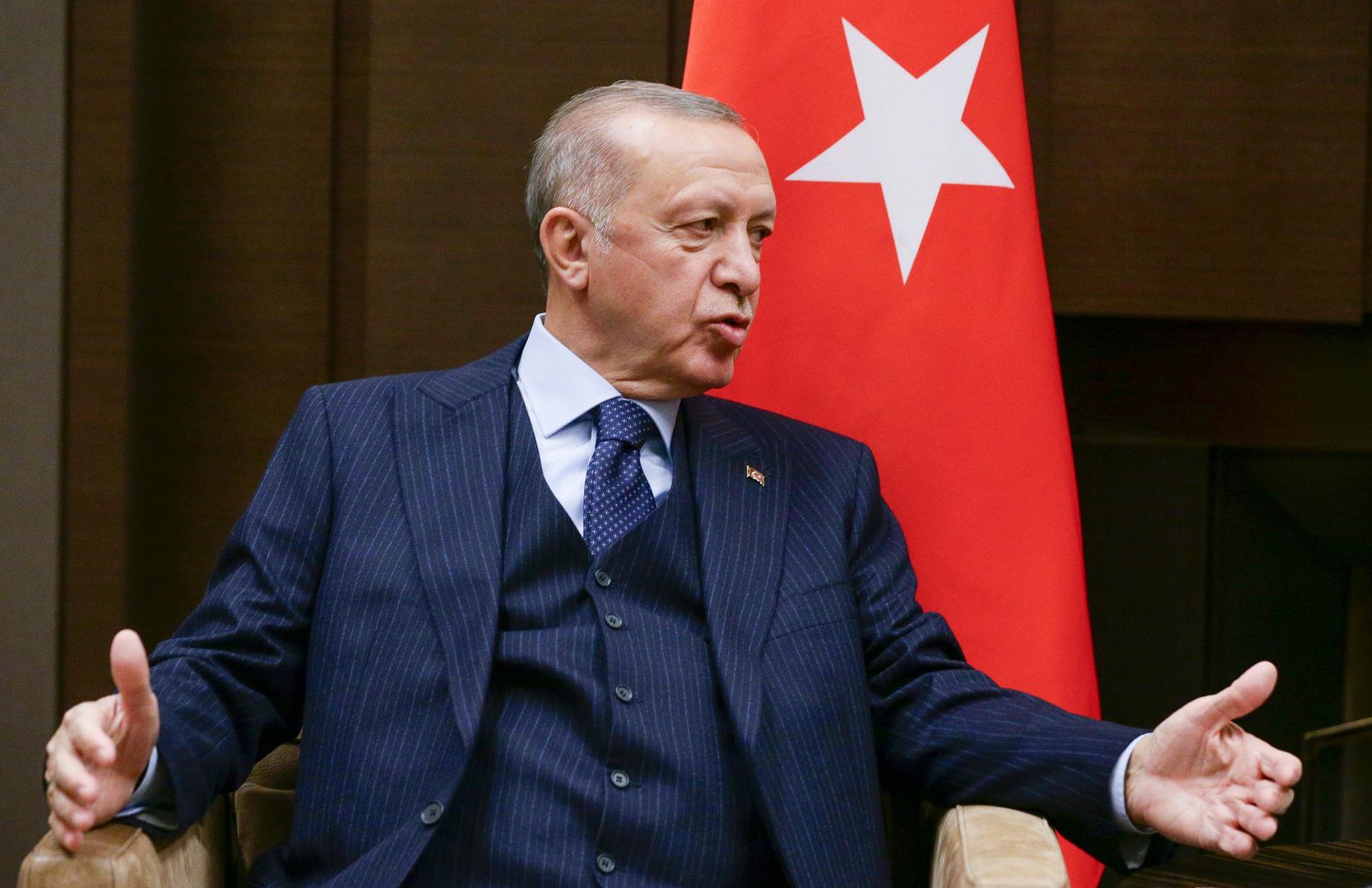 أردوغان يهدد باستخدام الأسلحة الثقيلة ضد الجيش السوري