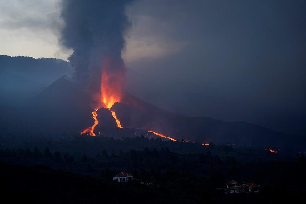 بركان جزيرة لا بالما الإسبانية - أرشيف -