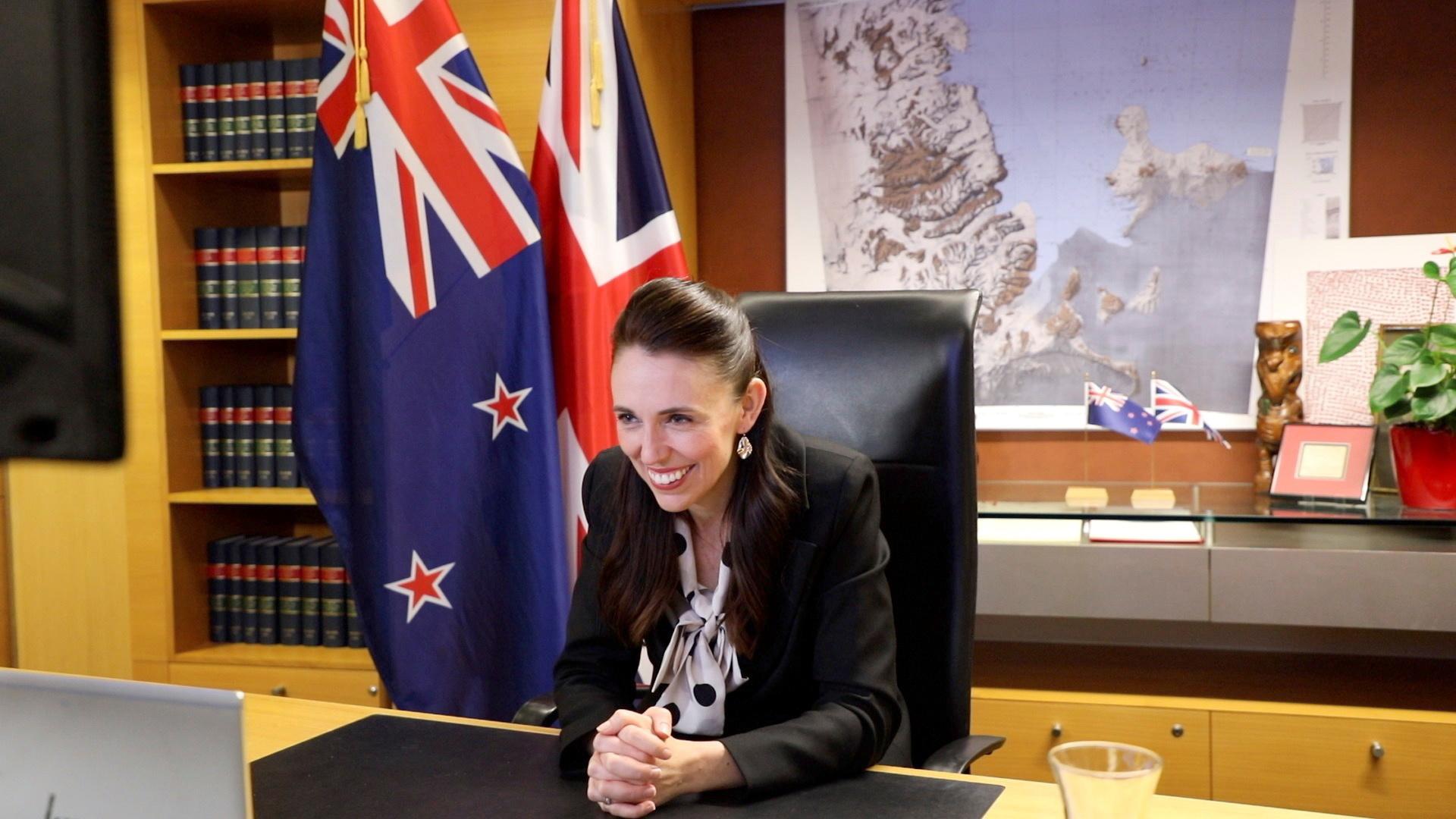 نيوزيلندا.. رئيسة الوزراء تواصل مؤتمرها الصحفي رغم وقوع هزة أرضية (فيديو)