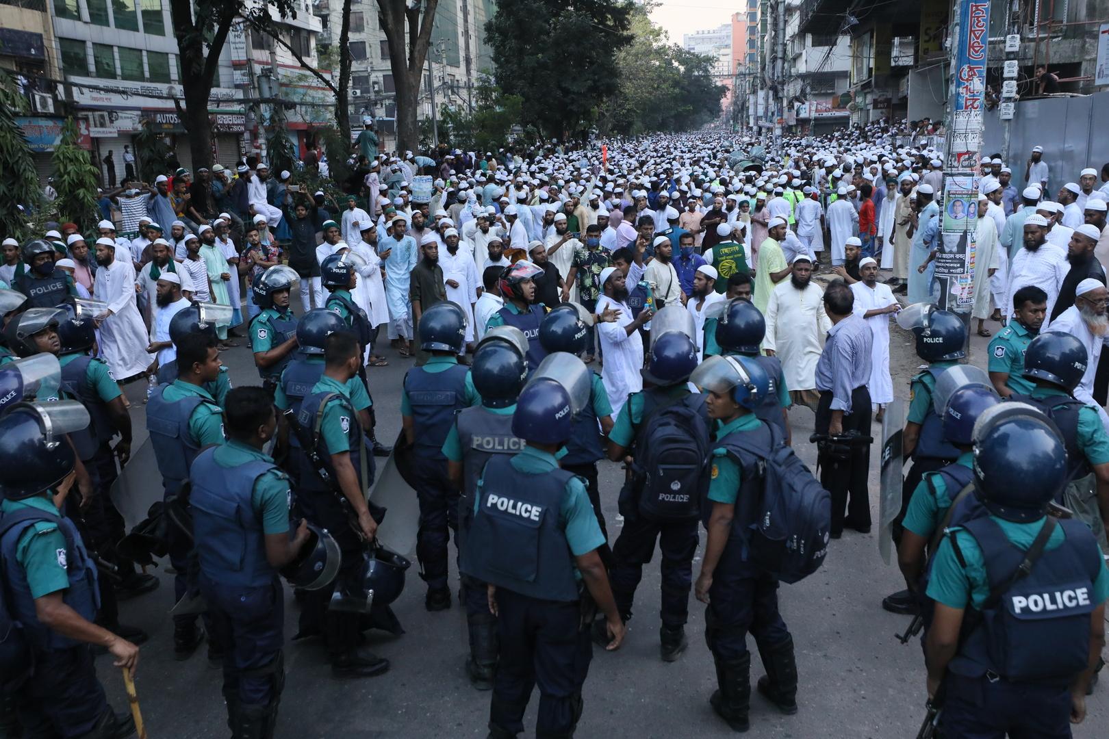 باكستان.. مقتل شخصين في مواجهات بين متظاهرين والشرطة