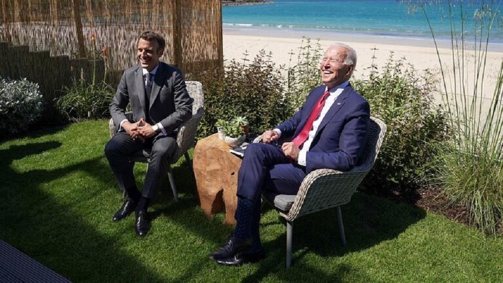 الرئيسان الأمريكي جو بايدن والفرنسي إيمانويل ماكرون - أرشيف -
