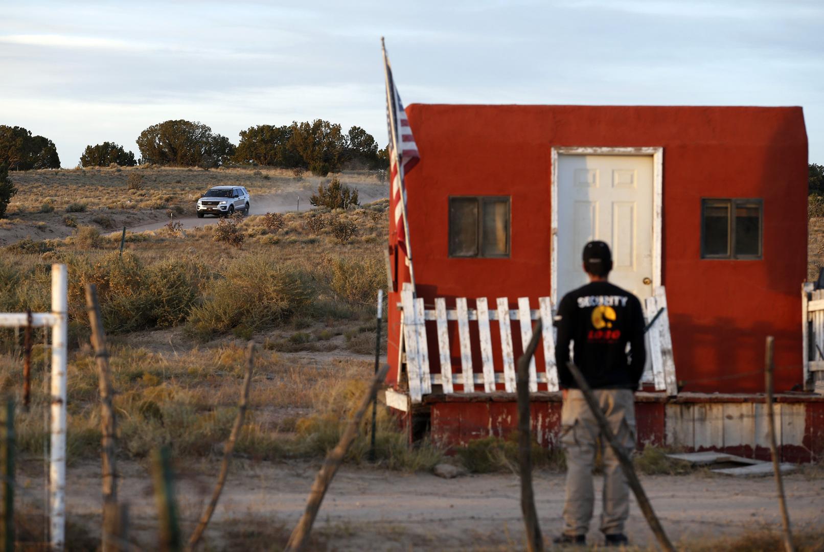 عائلة المصورة التي قتلها الممثل الأمريكي أليك بالدوين تطالب بأجوبة