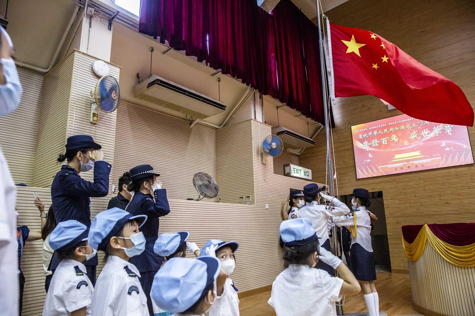 الصين.. إقرار قانون للحد من ضغط الواجبات المنزلية والدروس على الأطفال