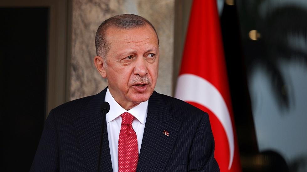 أردوغان: أمرت بإعلان 10 سفراء