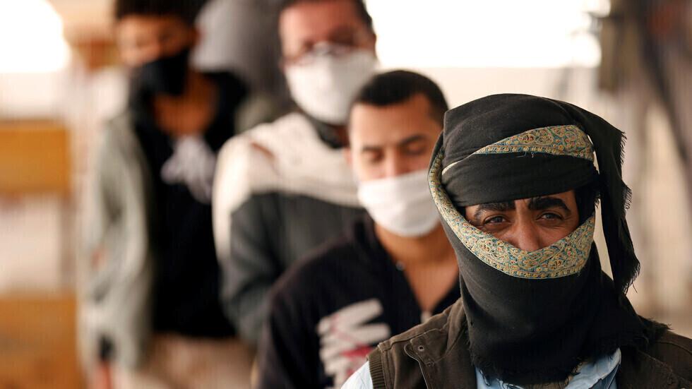 إصابات ووفيات كورونا تواصل تراجعها في اليمن مع انحسار الموجة الثالثة للفيروس