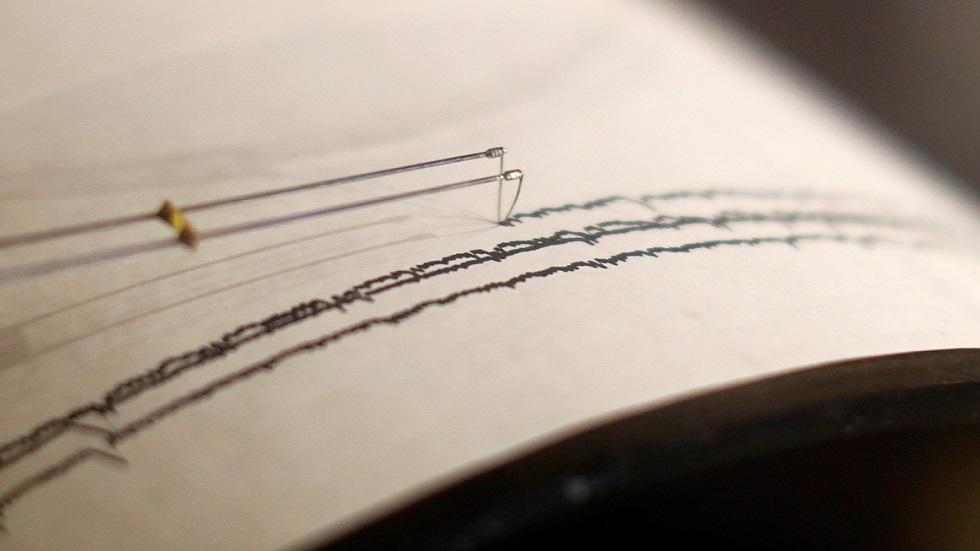 جهاز رصد الزلازل والهزات الأرضية - أرشيف -