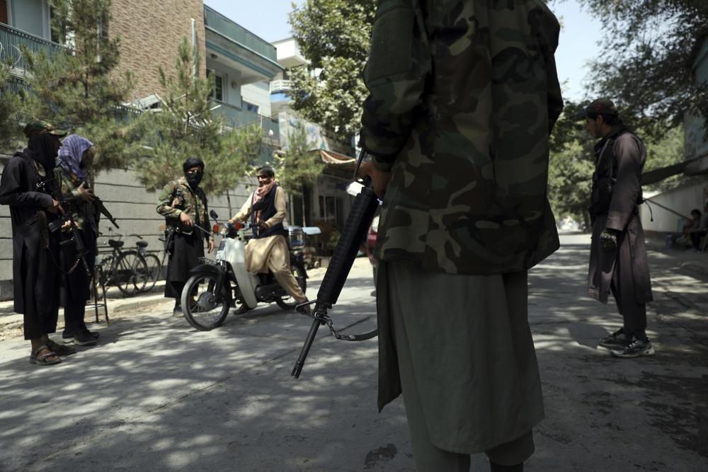 والد اللاعبة القتيلة من منتخب أفغانستان لكرة الطائرة: ابنتي قتلت بواسطة حجاب في غرفة النوم