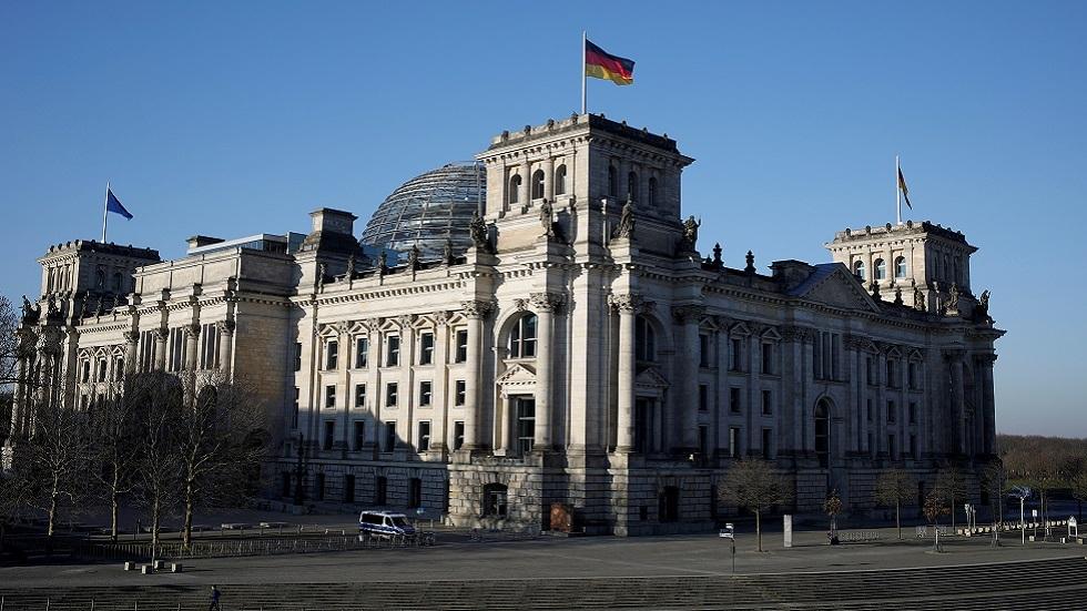 نائب ألماني بارز: تصريحات وزيرة دفاعنا بشأن روسيا غير مسؤولة