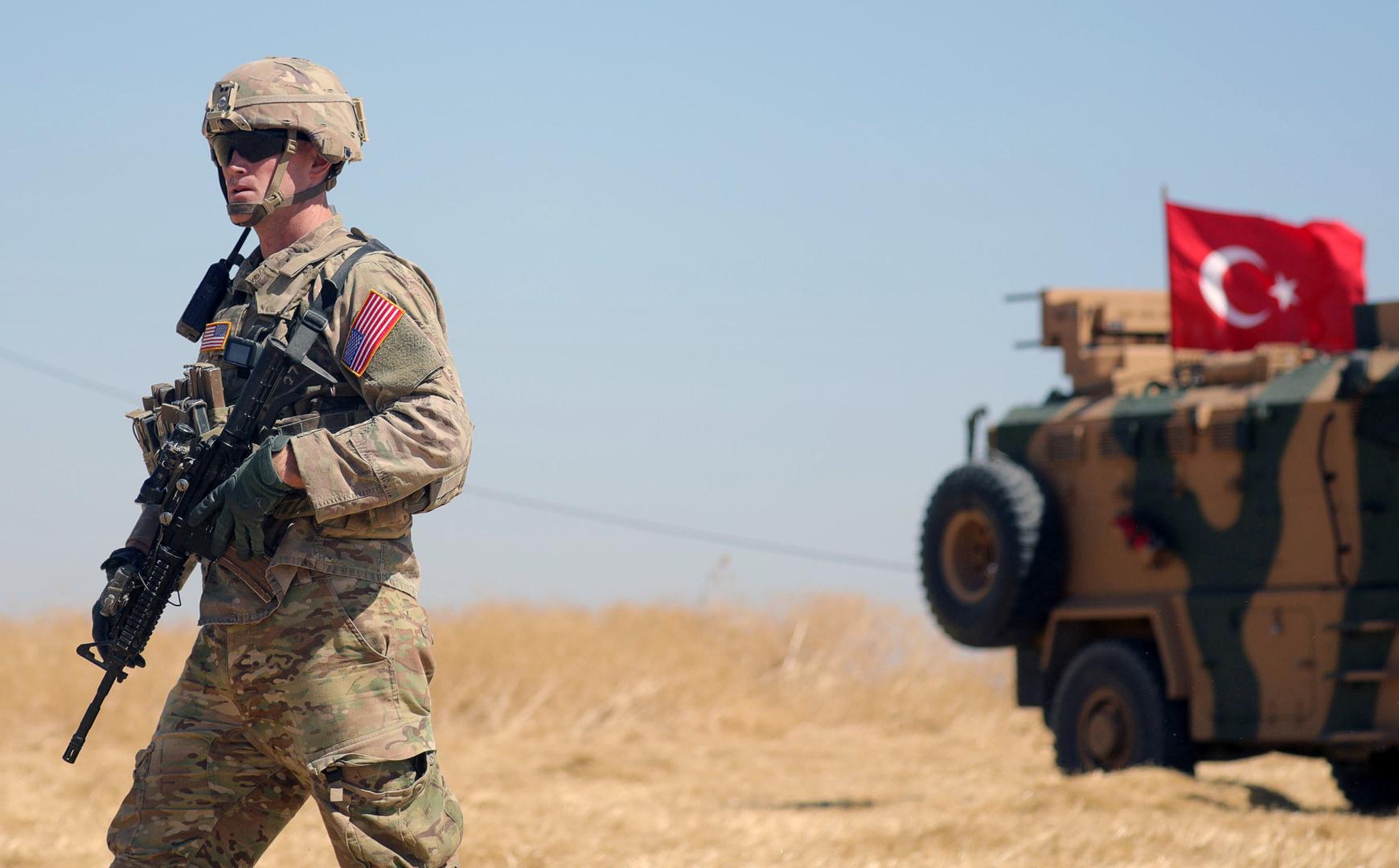 مسؤولون أمريكيون يتهمون إيران بالوقوف وراء هجوم بطائرات مسيرة على قاعدة أمريكية في سوريا
