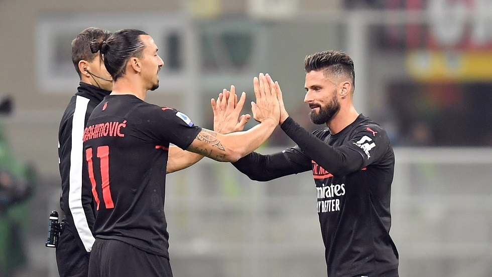 جيرو يقود ميلان لصدارة الدوري الإيطالي