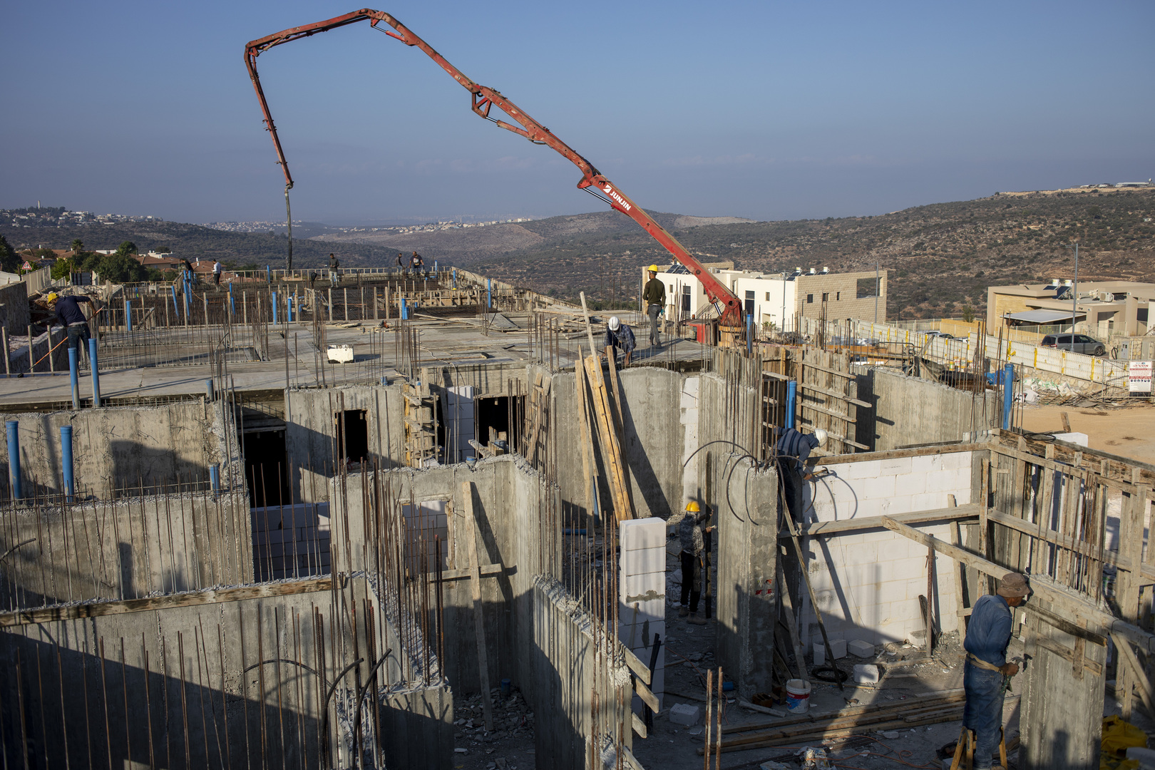 إسرائيل تصادق على بناء نحو 3 آلاف وحدة استيطانية جديدة في الضفة