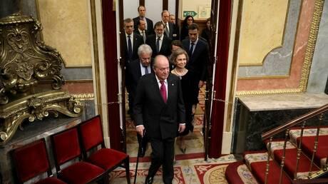 تايمز البريطانية: وكالة الاستخبارات الإسبانية حقنت ملك إسبانيا السابق خوان كارلوس بهرمونات أنثوية