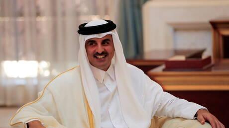 أمير قطر يبحث العلاقات مع السعودية
