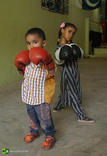 Afghanistan female boxers