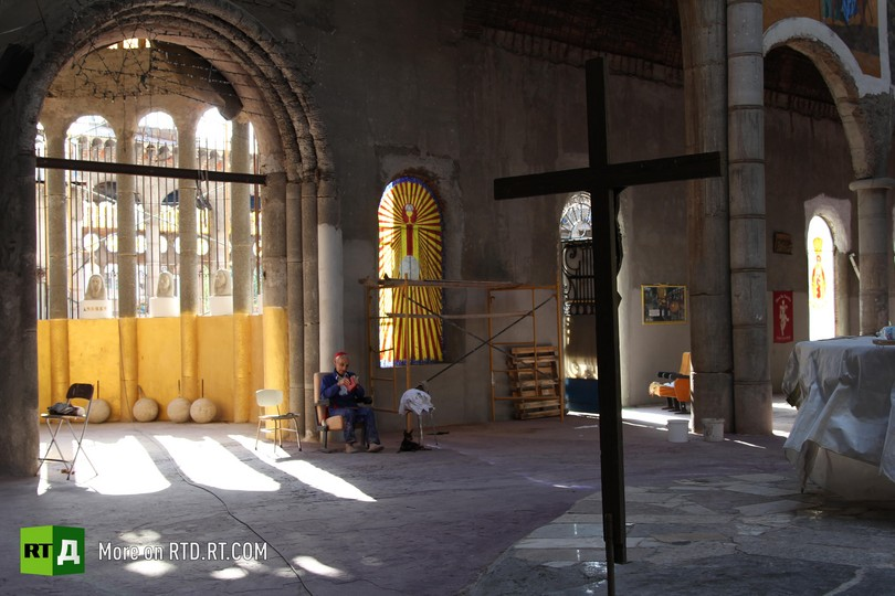 Don Justo builds cathedral in Mejorada del Campo, Spain
