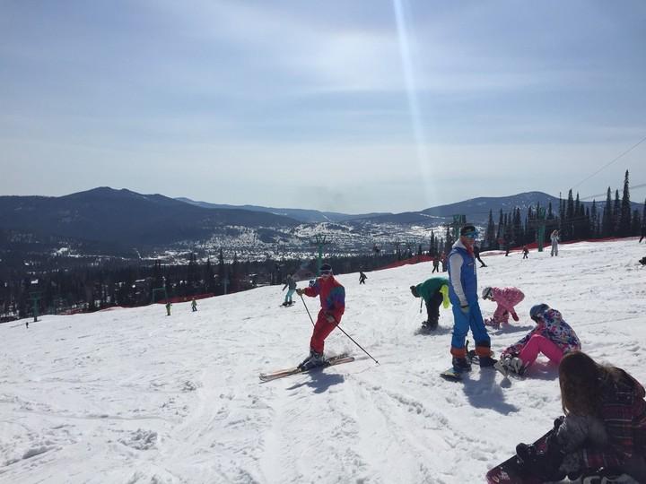 Russian bikini skiing