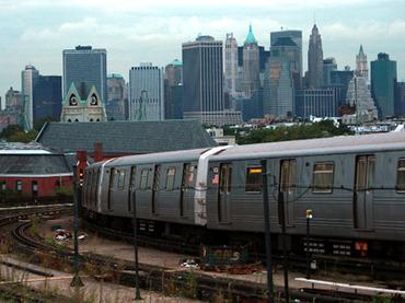 «Выбирайте любовь»: новая реклама в нью-йоркском метро