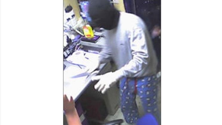 В Великобритании грабителя опознали по пижамным штанам с овечками