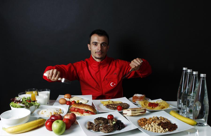 Немецкие СМИ: Русские чуть не забыли, что за кусок колбасы турки всадят им нож в спину