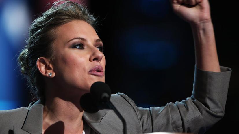Скарлетт Йоханссон подаст в суд на писателя за использование её имени